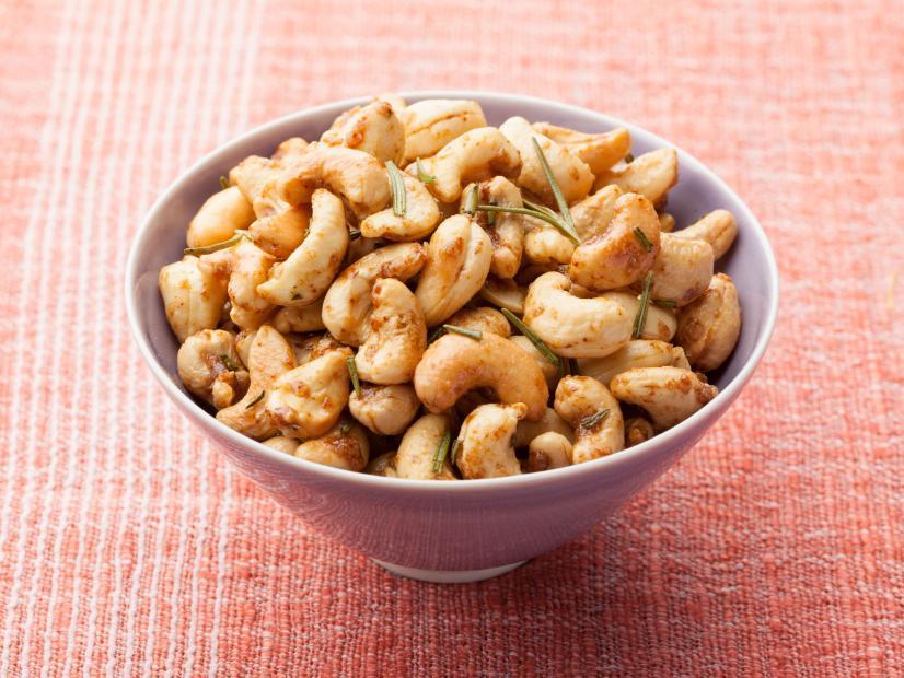 rosemary cashews